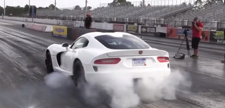 Stock SRT Viper on Drag Radials Does 11-Second Quarter Mile [Video]