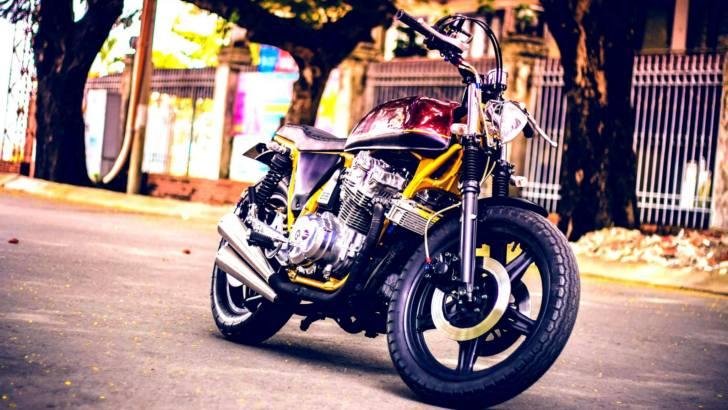 Street Tracker Honda CB750F Moto bike фото кафешника кафе байк характеристика история