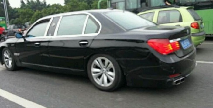 Stretched 7 Series Bmw Is Definitely Fake In China