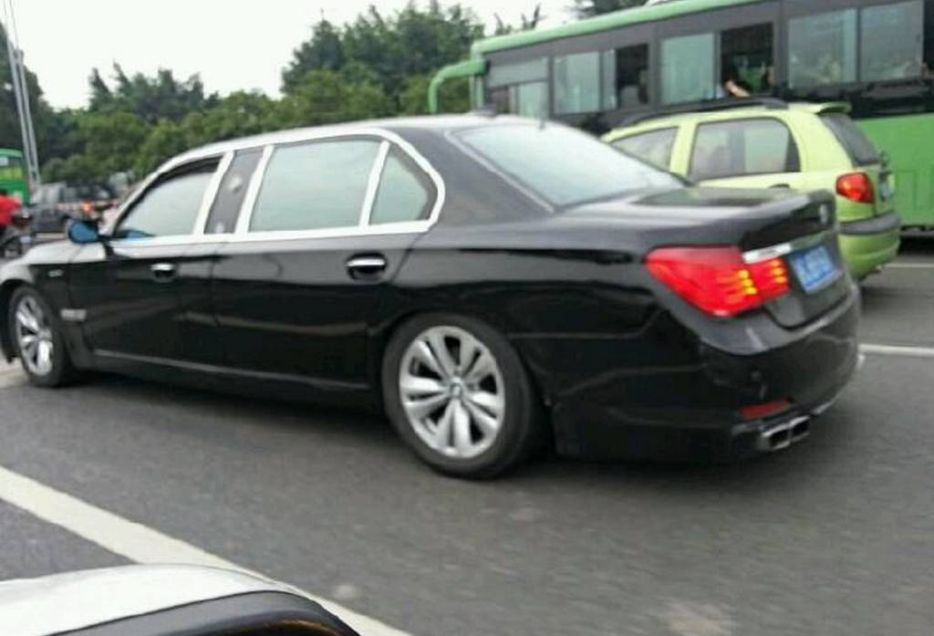 stretched-7-series-bmw-is- ...
