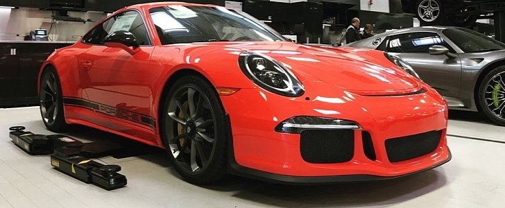Stripeless Lava Orange Porsche 911 R Is Dangerously Close