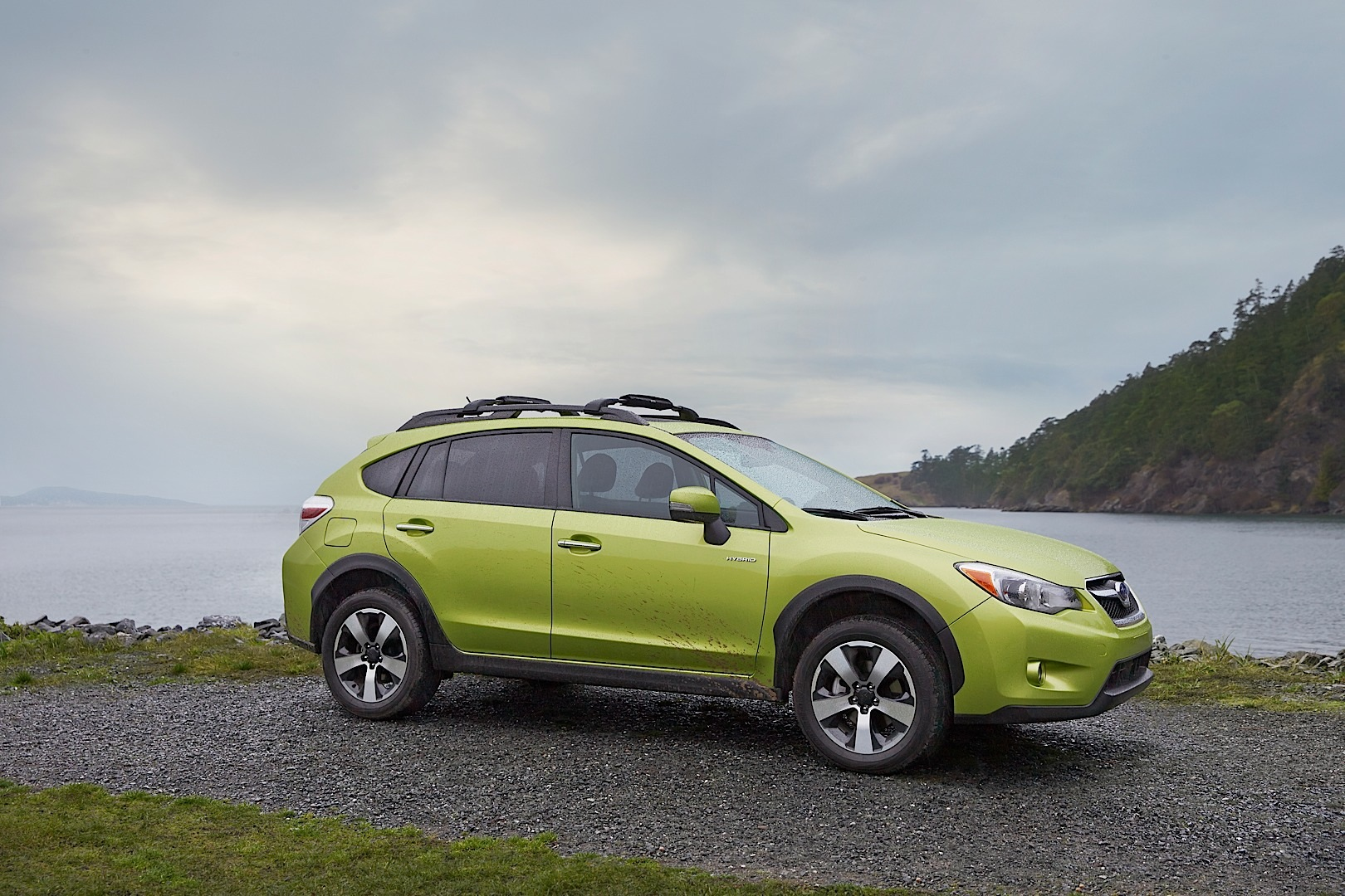 subaru xv crosstrek hybrid is green in the big apple autoevolution. Black Bedroom Furniture Sets. Home Design Ideas