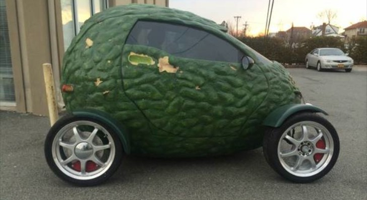 subway 39 s avocado car for sale on craigslist autoevolution. Black Bedroom Furniture Sets. Home Design Ideas