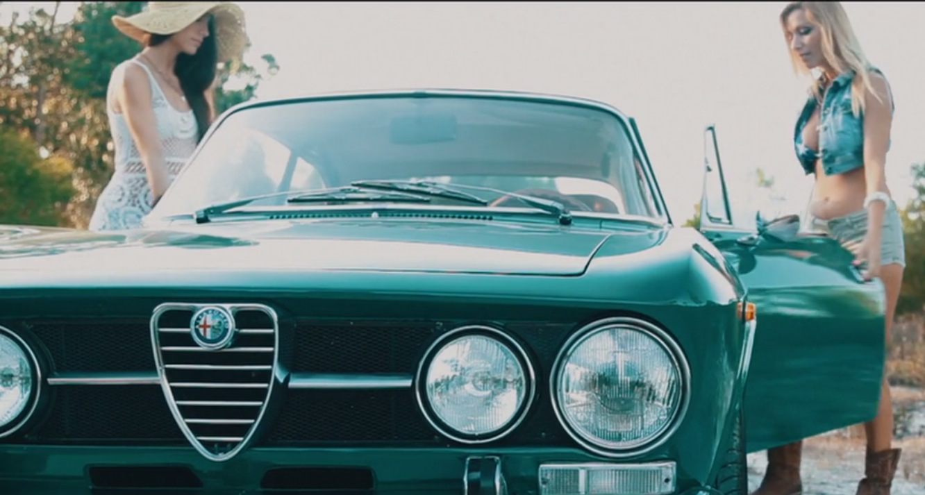 Sunset Sexy And Vintage That Is How You Sell A 1971 Alfa Romeo