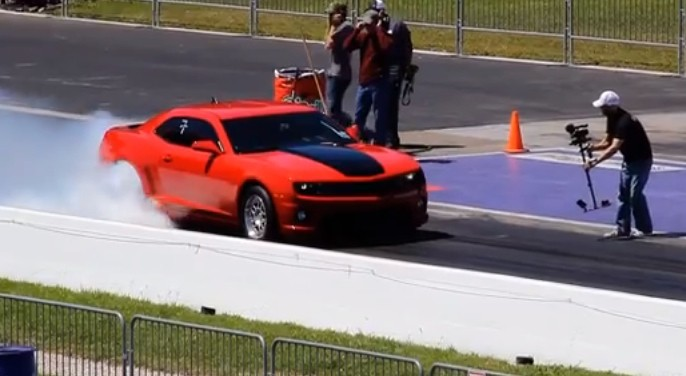 Supercharged Camaro Runs 9-Second Quarter Mile [Video]