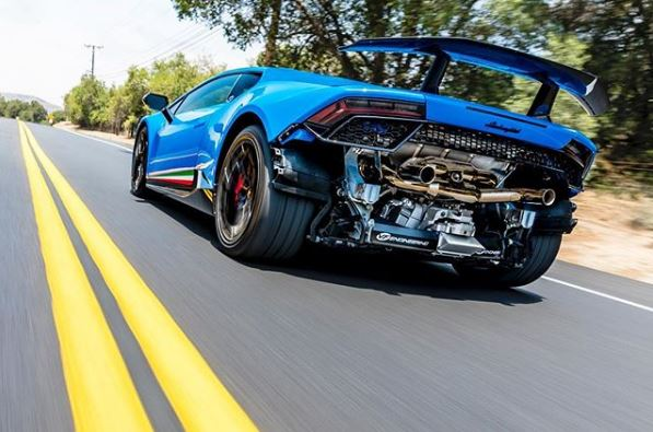 Supercharged Lamborghini Huracan Performante Flies On The Road