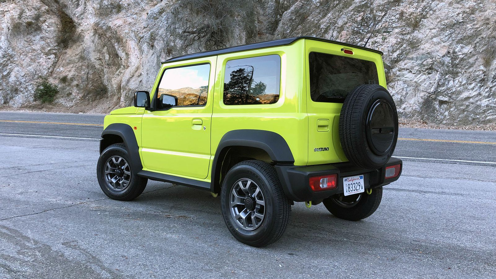 suzuki brings 2019 jimny to america but it s not for sale. Black Bedroom Furniture Sets. Home Design Ideas