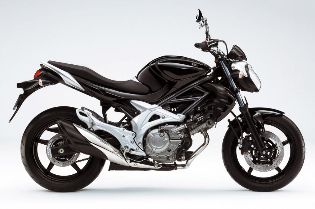 Motorcycles! Suzuki-gladius-now-available-in-black-10268_1
