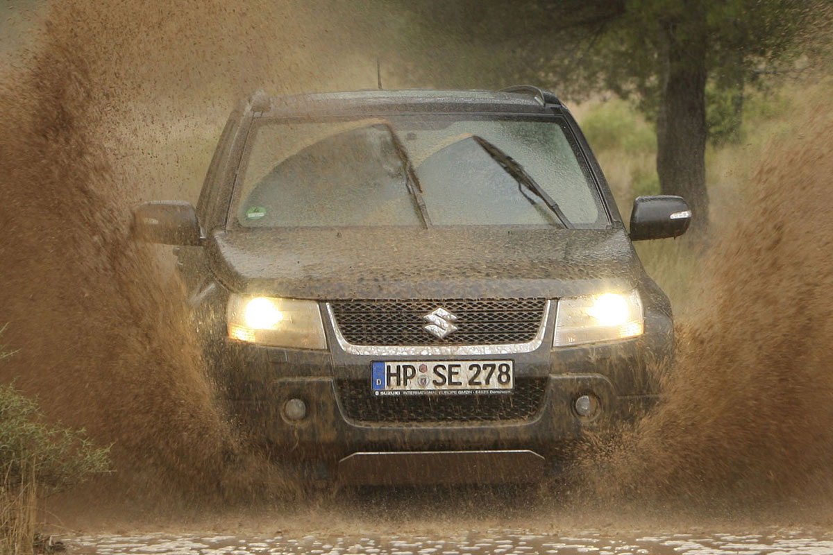 suzuki grand vitara gets 1 9 ddis engine in the uk. Black Bedroom Furniture Sets. Home Design Ideas