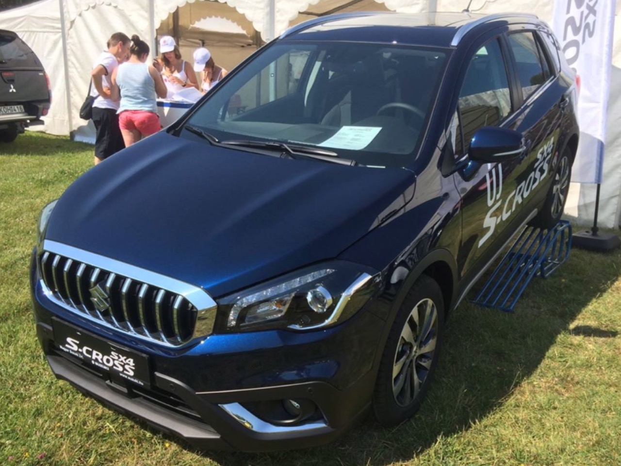 suzuki hungary reveals sx4 s cross facelift with 1 4 turbo. Black Bedroom Furniture Sets. Home Design Ideas