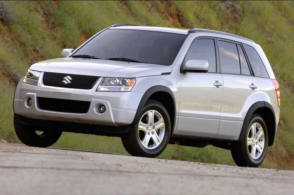 suzuki recalls grand vitara and xl 7 due to pulley issue. Black Bedroom Furniture Sets. Home Design Ideas