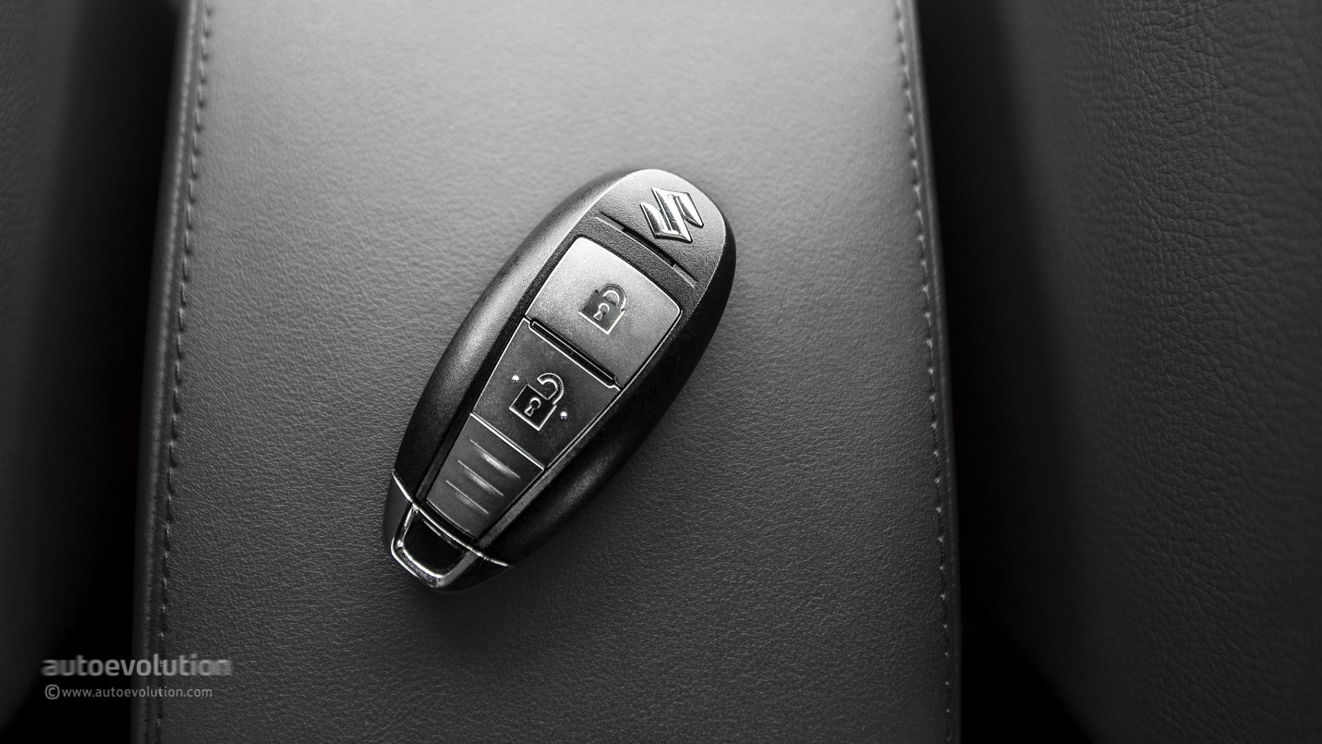 Suzuki sx4 s cross hd wallpapers autoevolution - Car key wallpaper ...