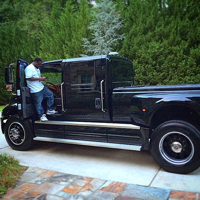 Ford F650 Pickup >> T-Pain Drives Ford F-650 Truck to V103 Car and Bike Show - autoevolution