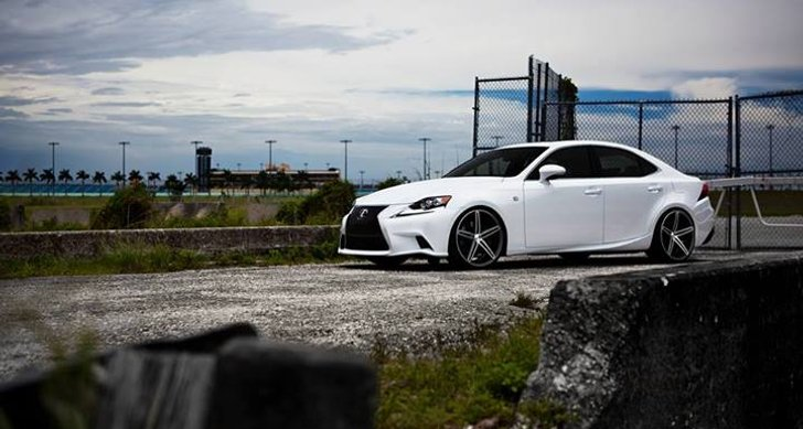 Take a Look at the 2014 Lexus IS on Vossen CV5 Wheels [Video]