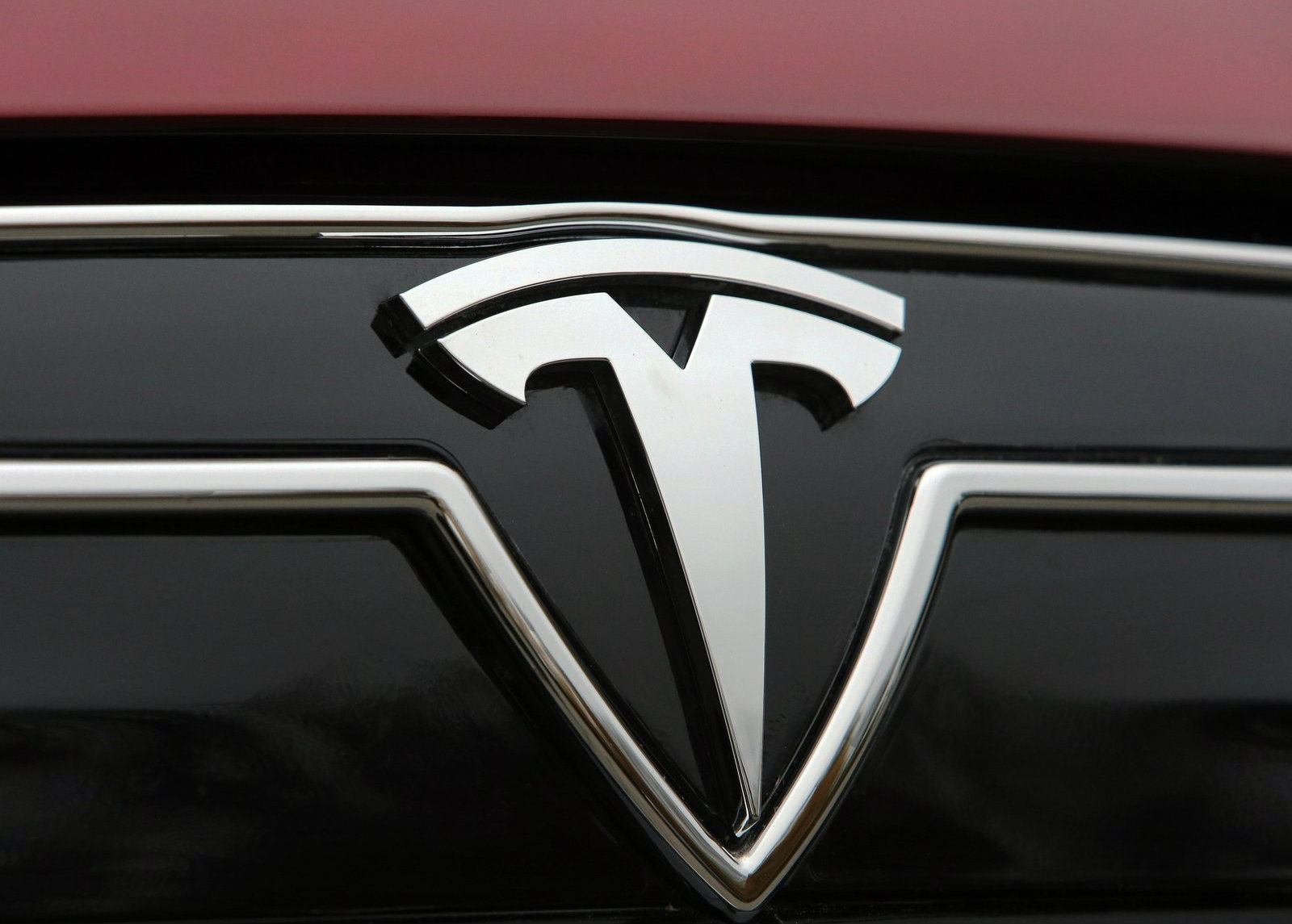 Tesla Confirms 2015 Model X Launch; Moves 6,457 Model S Sedans in Q1 ...