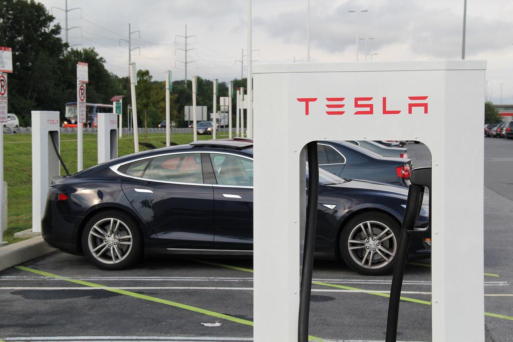 Tesla supercharger free