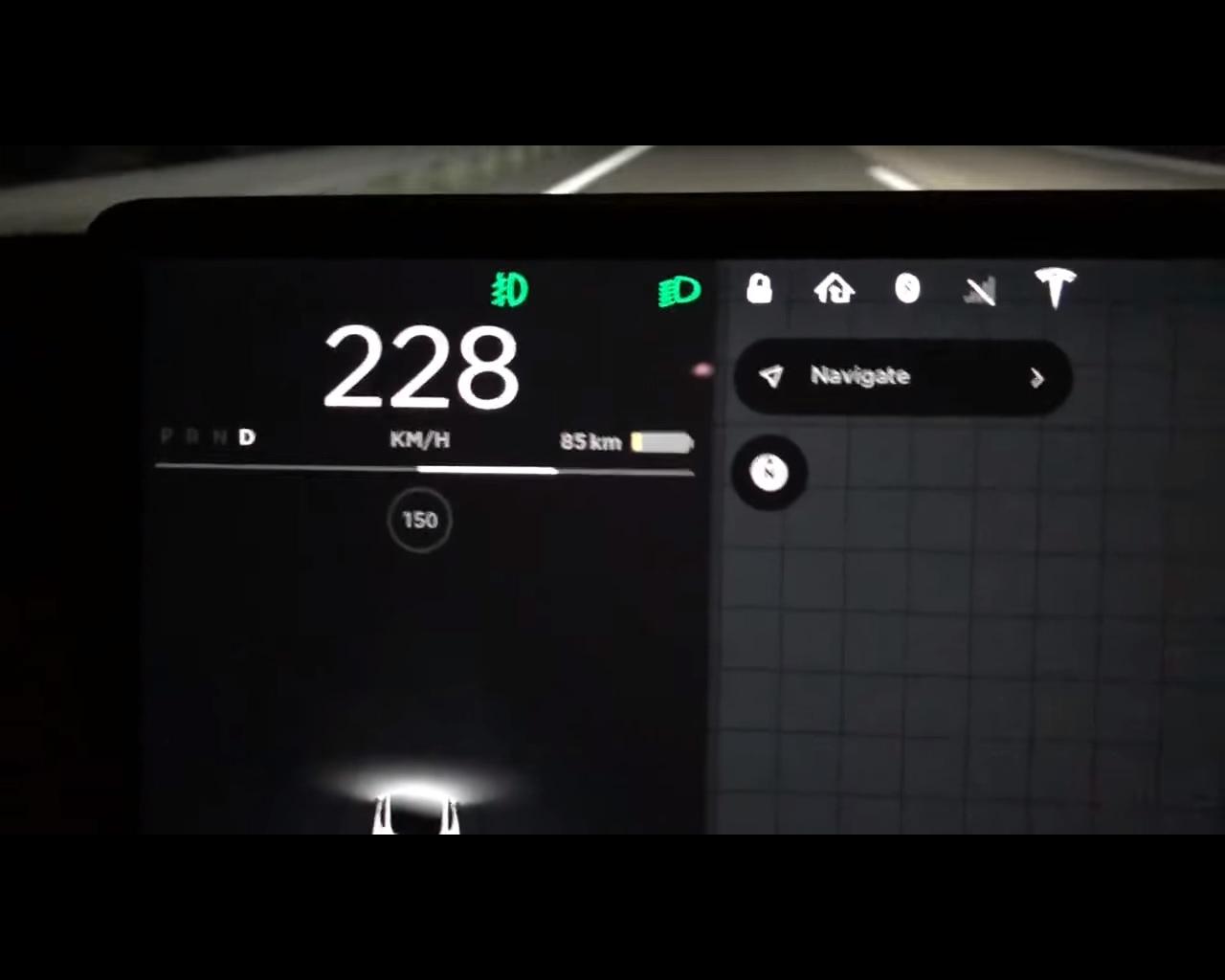 tesla model 3 long range peaks at 141 7 mph in autobahn top speed run autoevolution. Black Bedroom Furniture Sets. Home Design Ideas