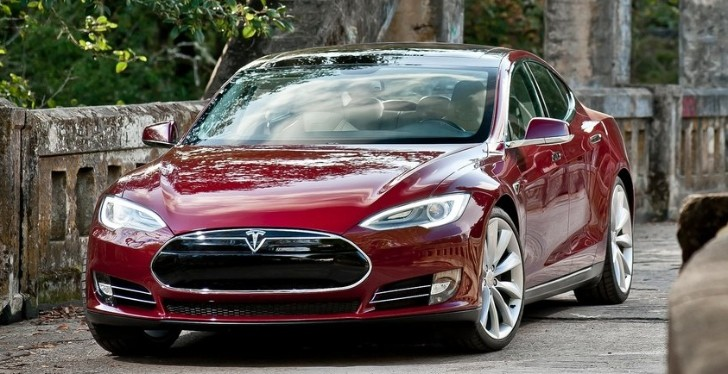 Tesla Model E Could Arrive in 2015