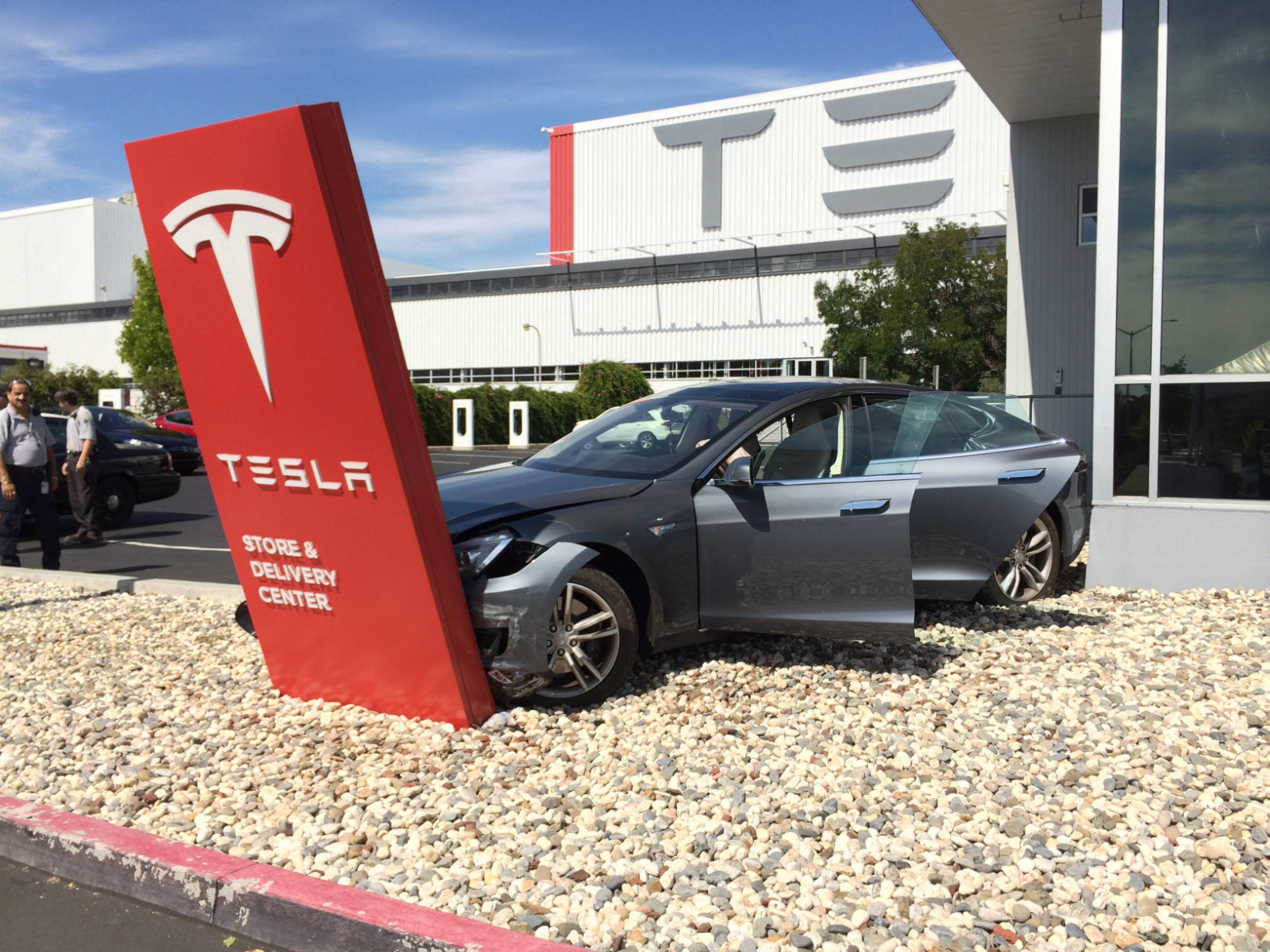Tesla model s crashed before leaving fremont store delivery center