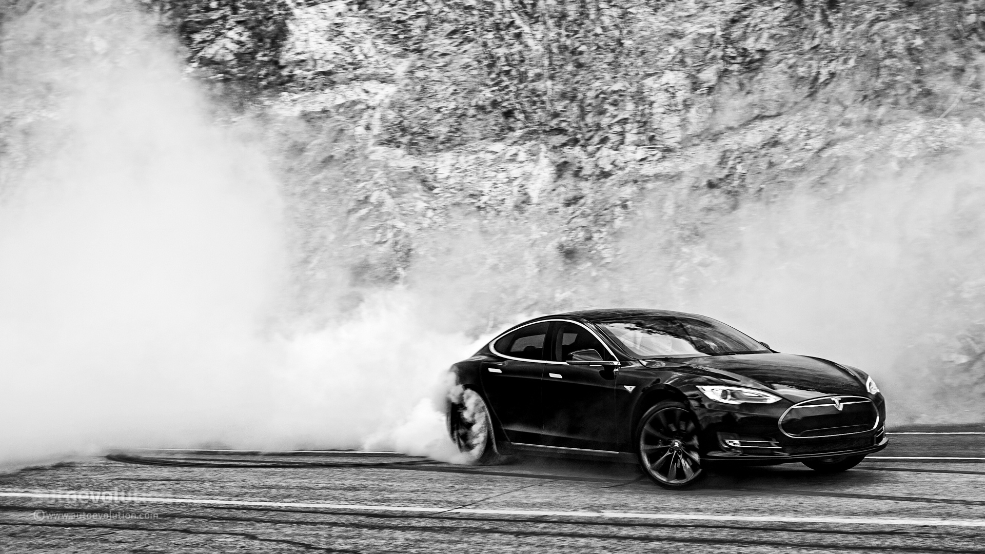 Model Y Hd: Tesla Model S Doing Monster Burnouts: HD Wallpapers
