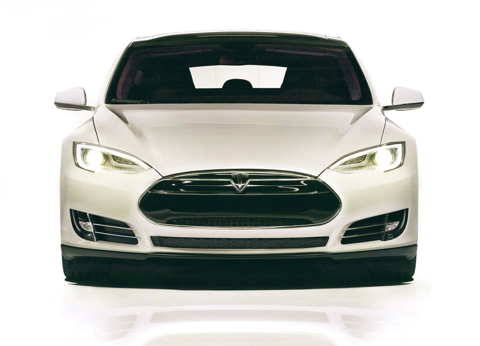 tesla model s is socal 39 s aaa top green vehicle of 2014 autoevolution. Black Bedroom Furniture Sets. Home Design Ideas