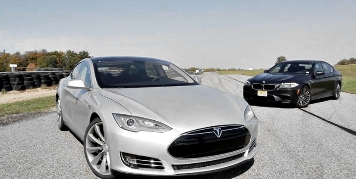 Tesla Model S Shows Muscles Against BMW M5 F10 [Video]