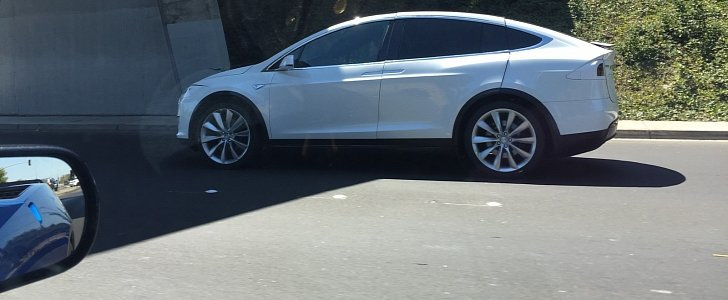 Tesla Model X Spotted With Huge Panel Gaps Is Tesla