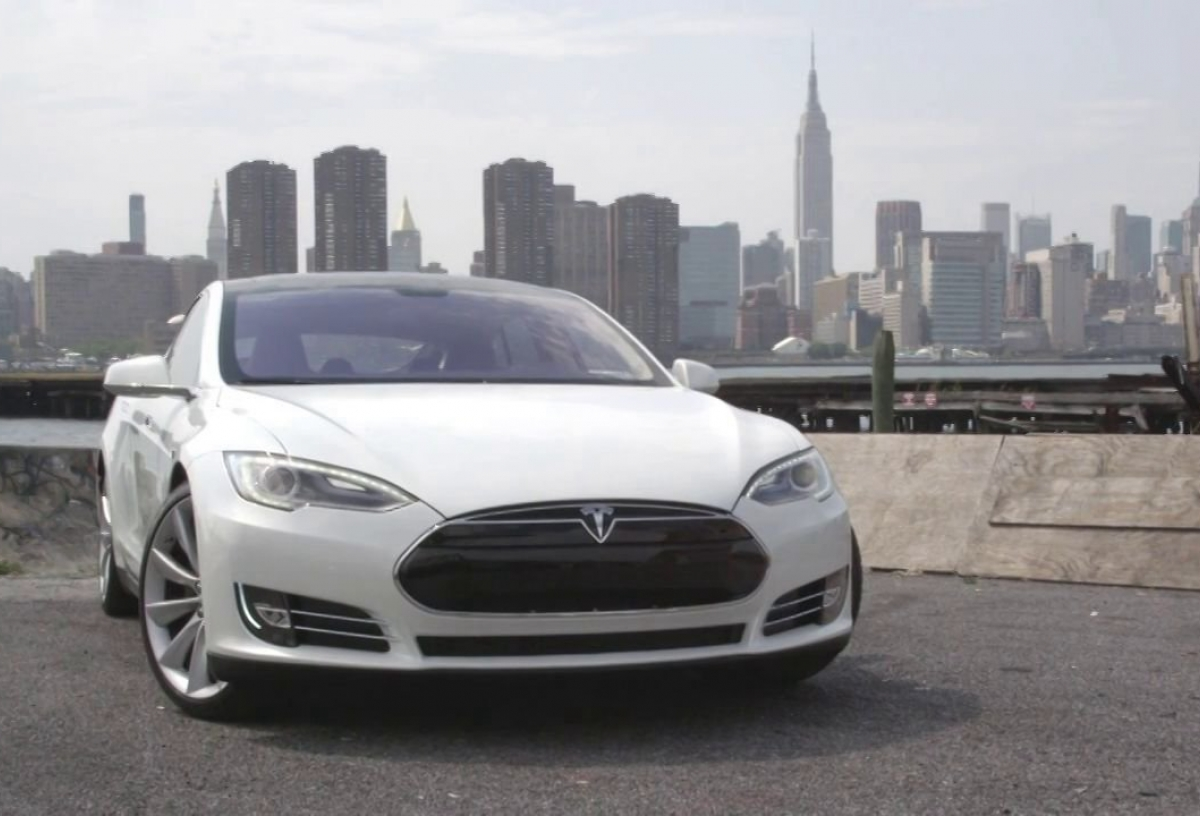 tesla motors will open charging stations for model s owners in manhattan autoevolution. Black Bedroom Furniture Sets. Home Design Ideas