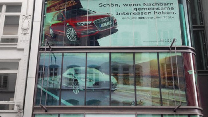 Tesla Showroom and Audi's Advertising Agency Share the Same Building in Hamburg - autoevolution