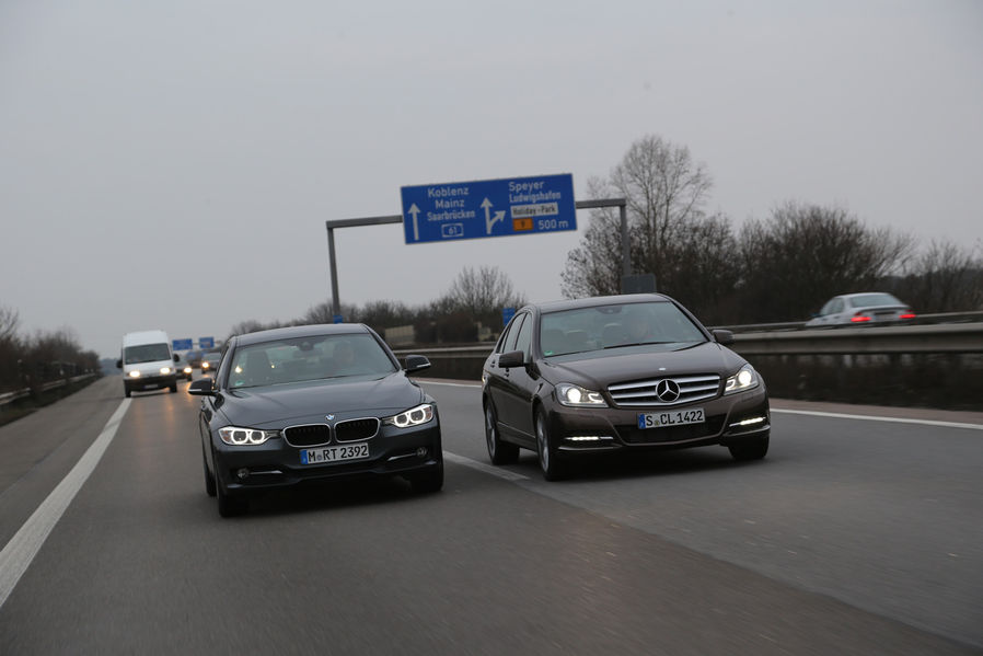 Bmw 316d vs mercedes benz c180 cdi test drive by ams for Bmw mercedes benz