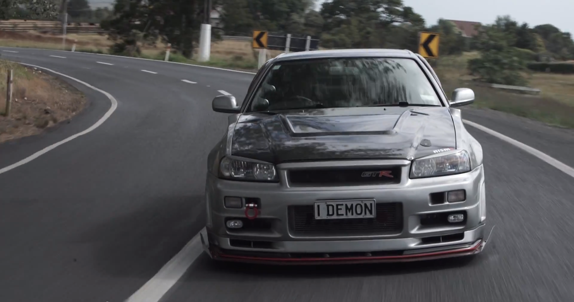 test driving a 1 000 hp r34 nissan skyline gt r is dangerous autoevolution. Black Bedroom Furniture Sets. Home Design Ideas