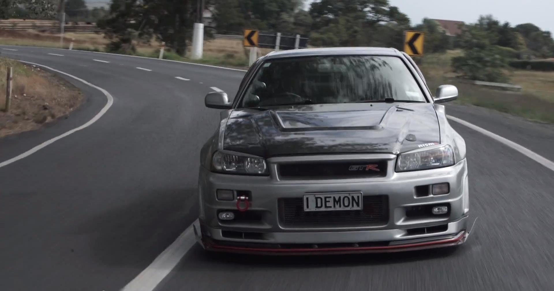 Test Driving a 1 000 HP R34 Nissan Skyline GT R Is Dangerous