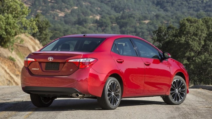 The 2013 Toyota Corolla Is Perfect, According to Jalopnik