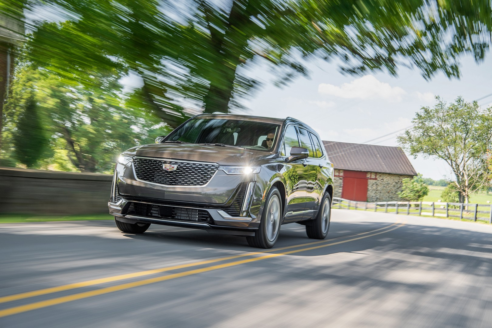 the 2021 cadillac xt6 arrives with new luxury trim on the