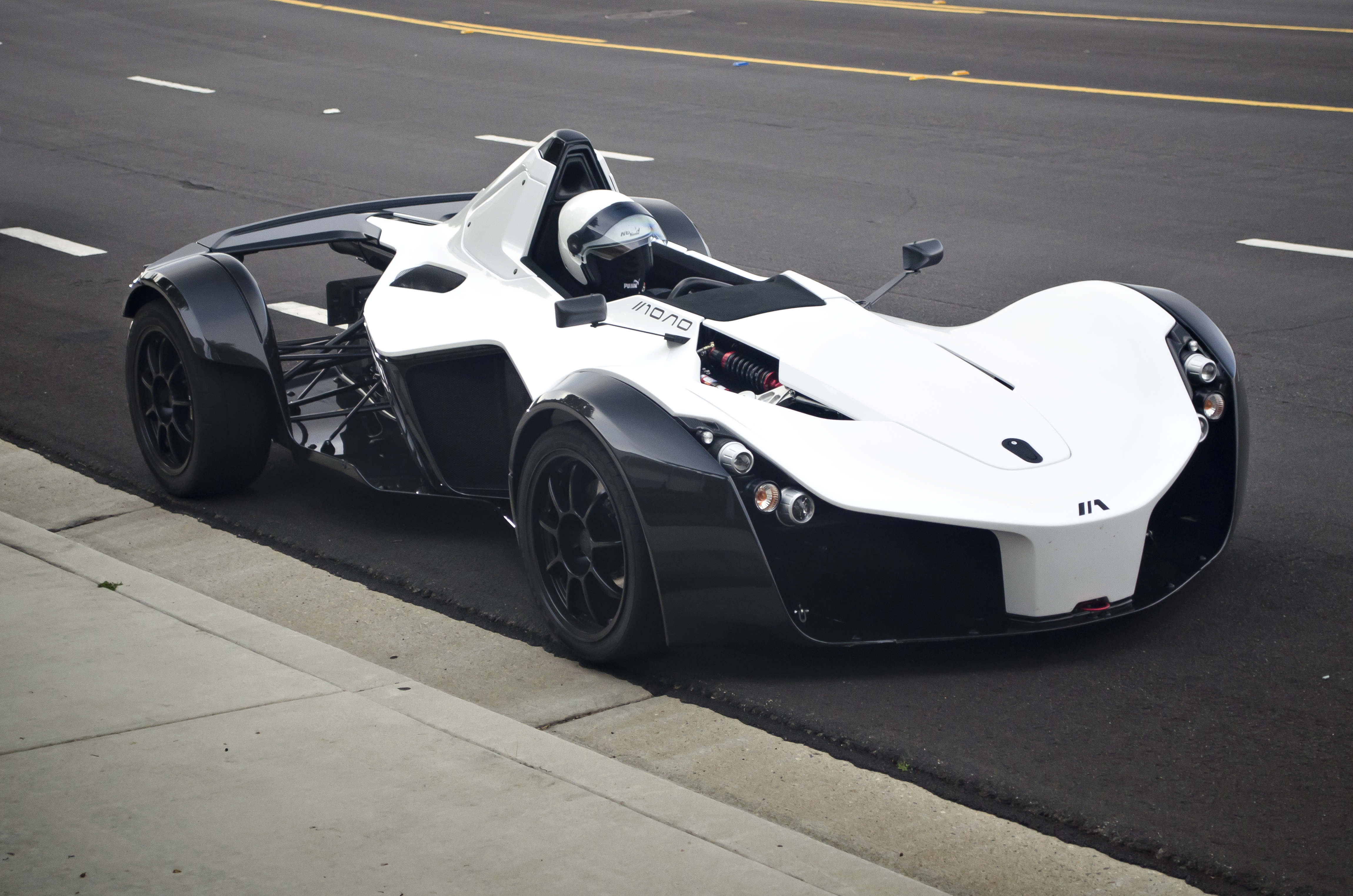 the bac mono loosens up a little accepts larger persons in its cockpit autoevolution. Black Bedroom Furniture Sets. Home Design Ideas
