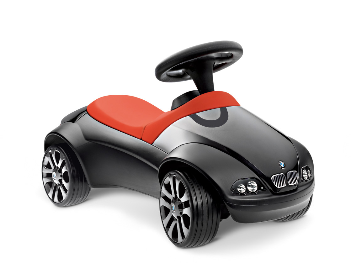 Bmw baby racer ii lets young enthusiasts indulge their passion for.