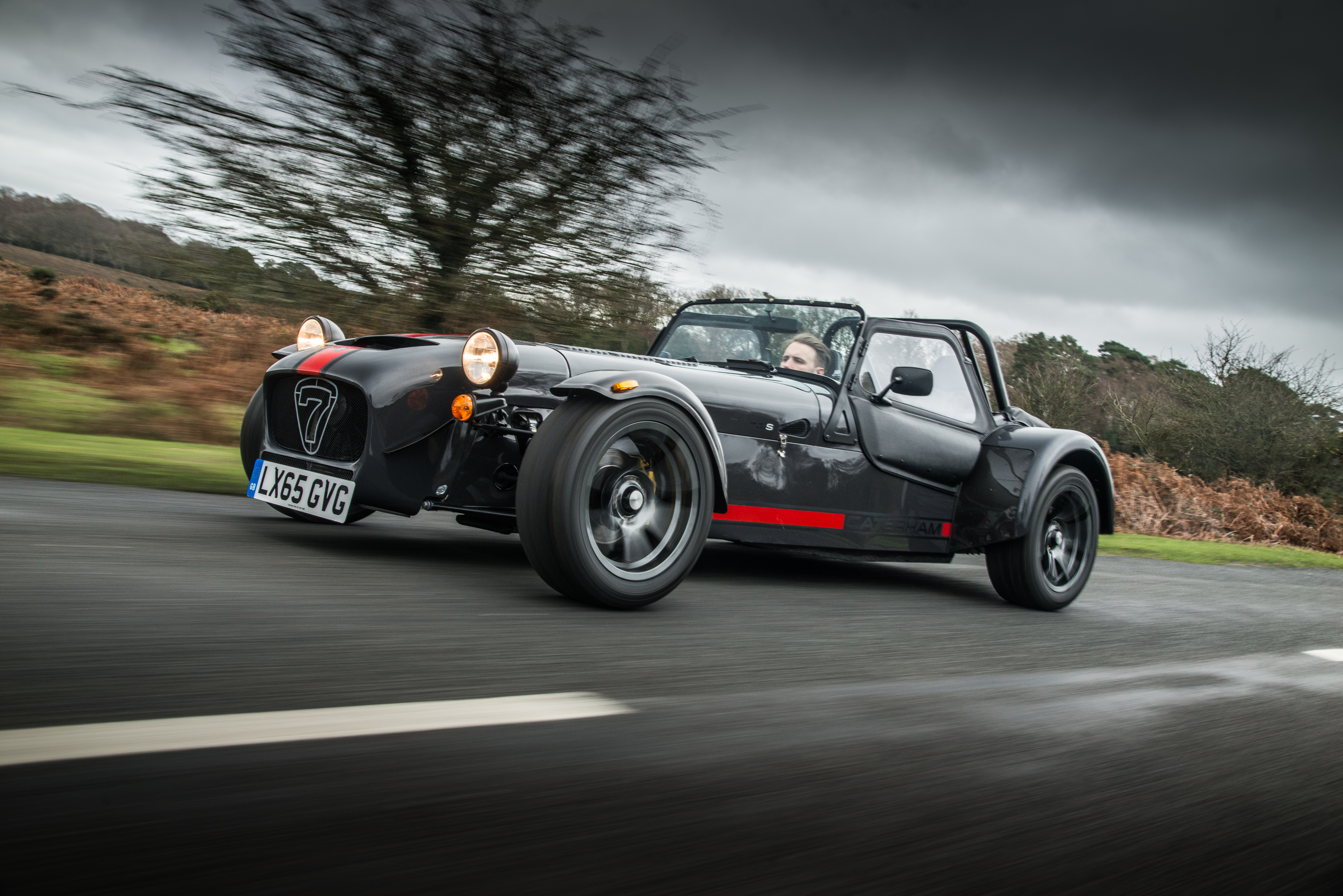 the caterham seven 620 receives s pack and widebody chassis autoevolution. Black Bedroom Furniture Sets. Home Design Ideas