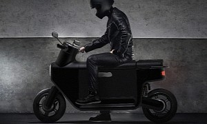 The Commooter Scooter Needs Votes to Become the Next Real Minimalist EV
