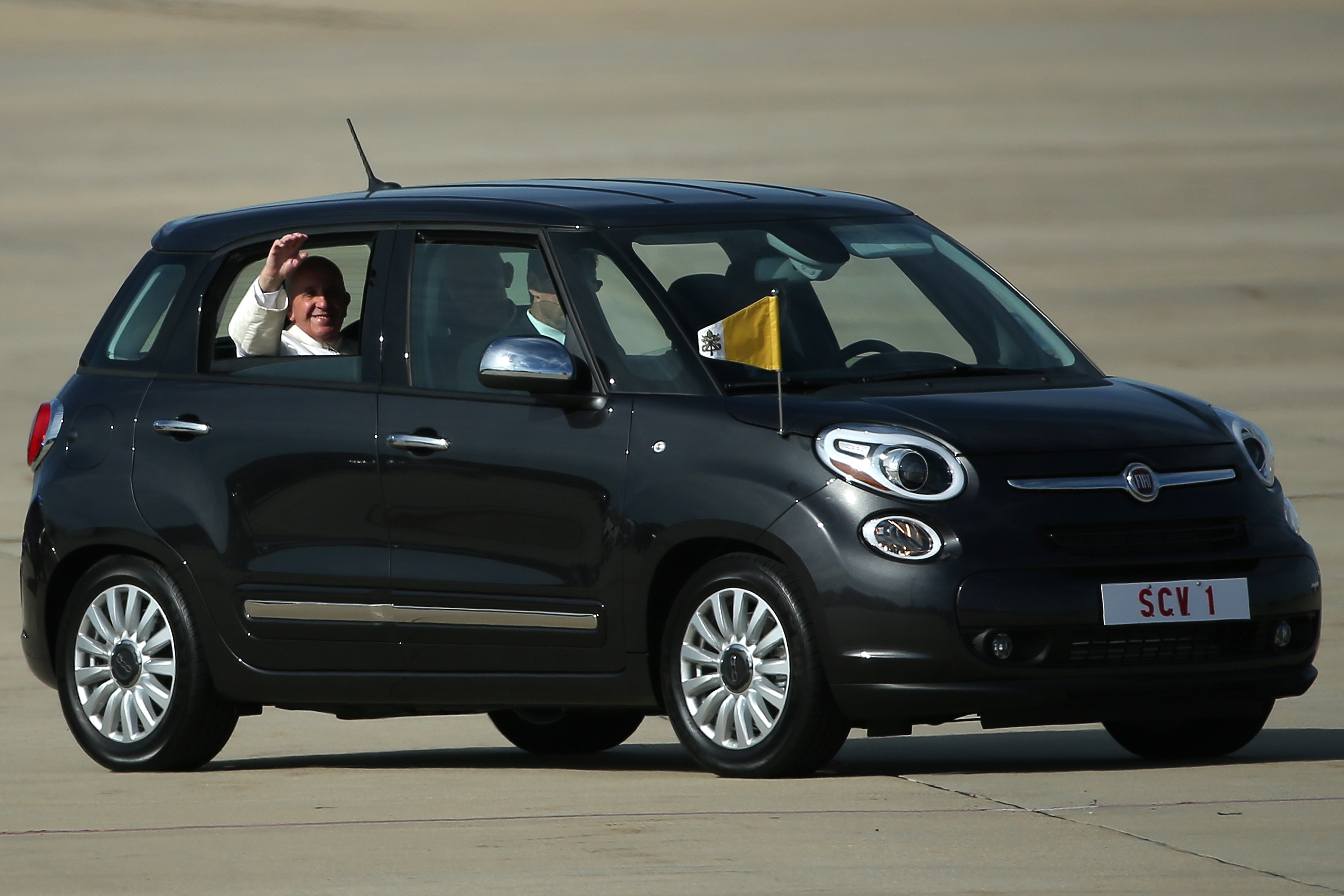 the fiat 500l usedpope francis during philadelphia visit is up