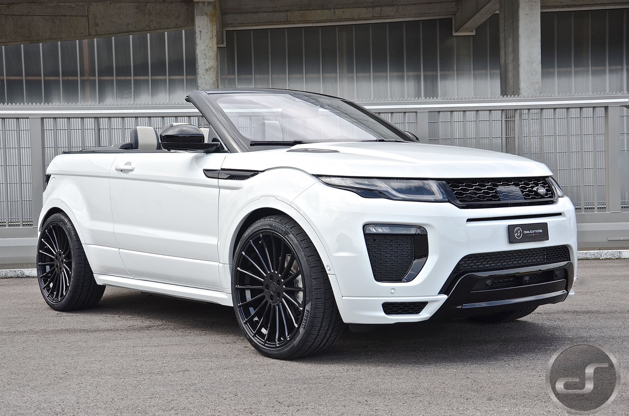 the first tuned range rover evoque cabrio wears hamann kit. Black Bedroom Furniture Sets. Home Design Ideas