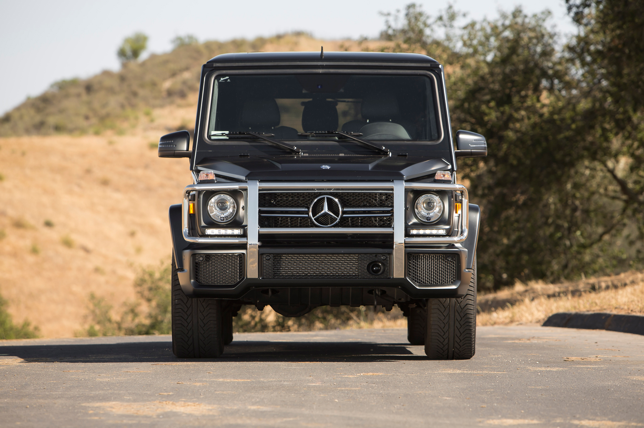 the g 63 amg gets reviewed by trucktrend autoevolution. Black Bedroom Furniture Sets. Home Design Ideas