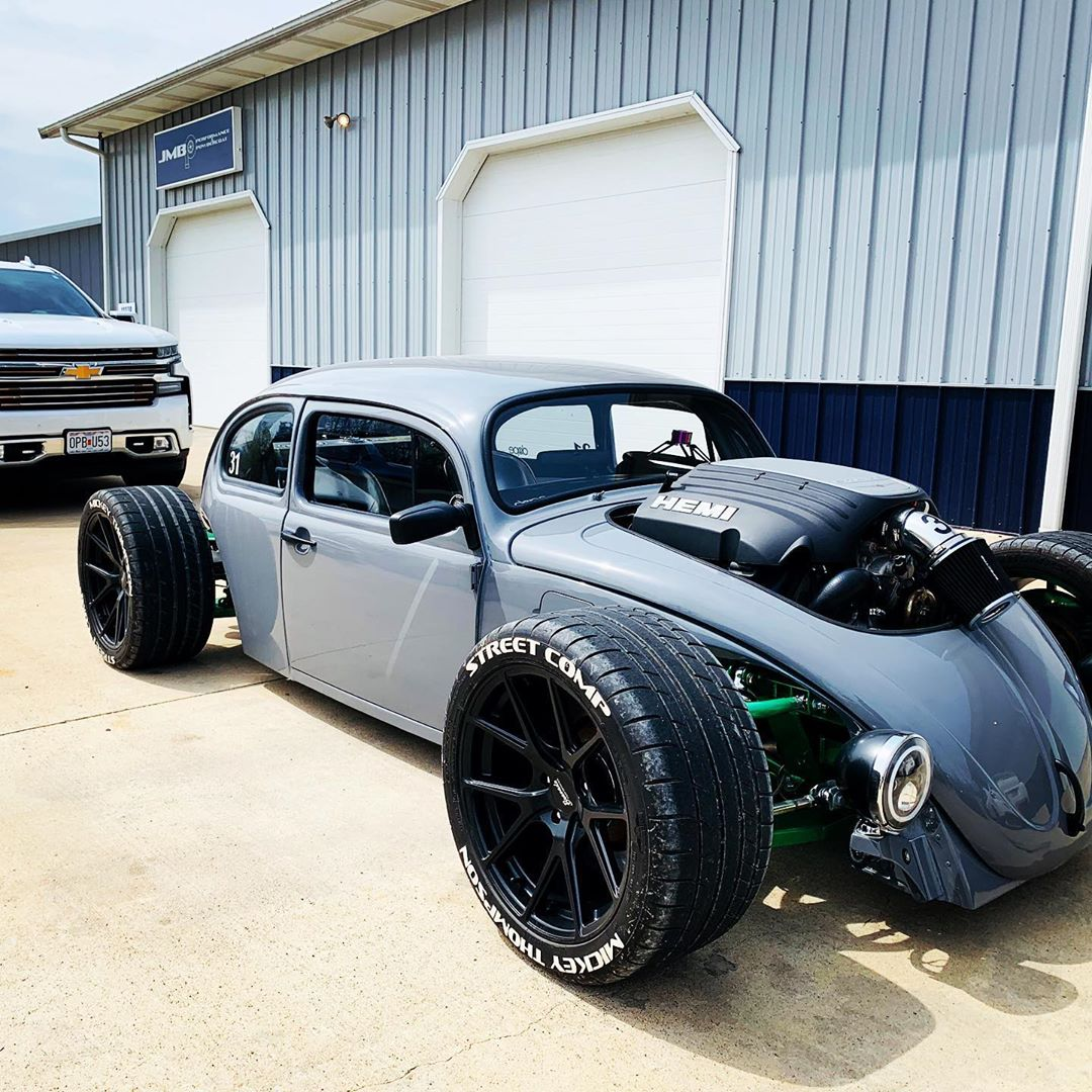 Hemi Powered Vw Beetle Rocks Front Mounted V8 Is All Muscle Autoevolution