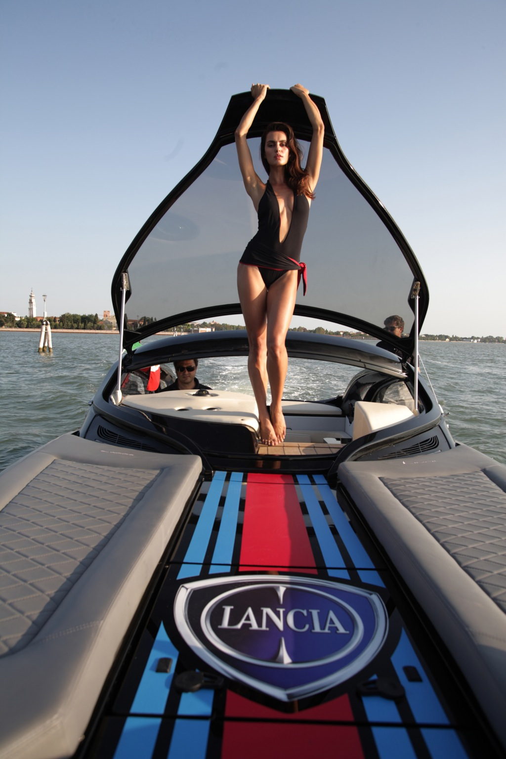 Cabin bathroom lighting - The Lancia Powerboat Launched In Venice Autoevolution