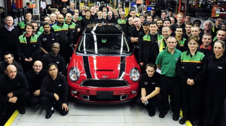 Last Mk2 MINI Cooper Hatch Leaves Assembly Line [Photo Gallery]