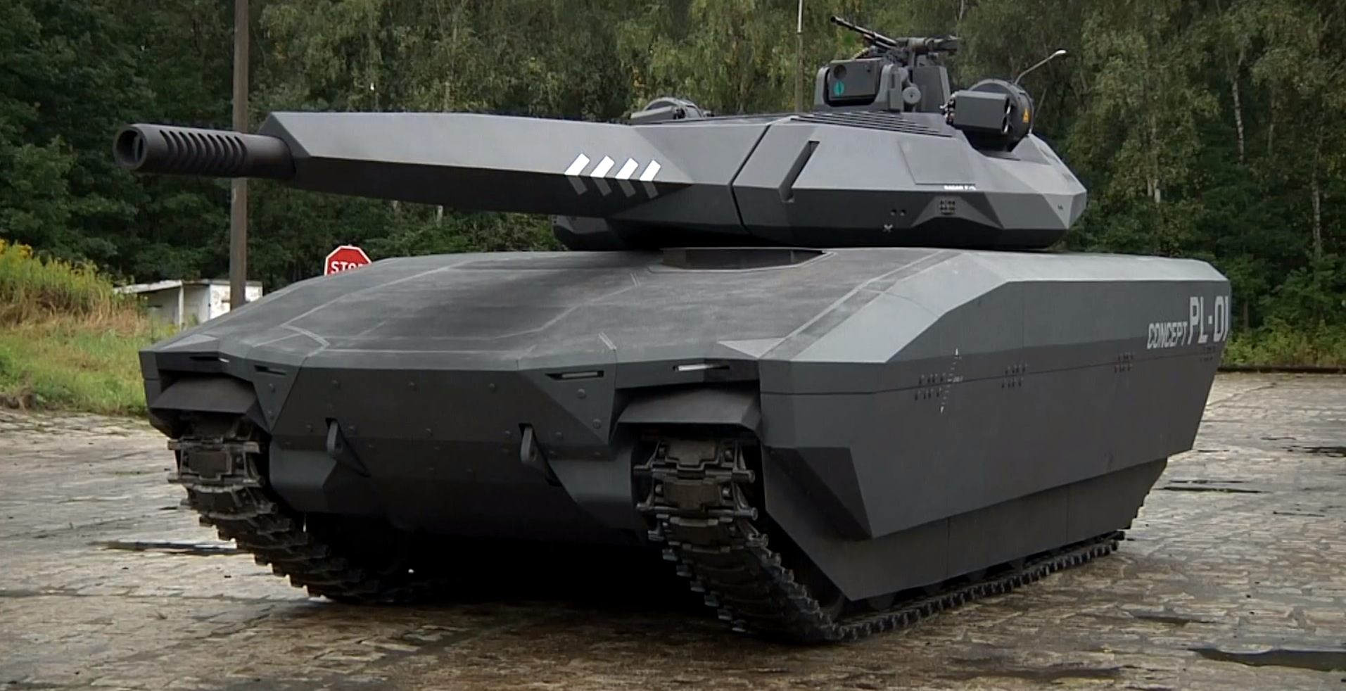 The Pl 01 Stealth Tank Is As Absurdly Cool As A Lamborghini Video 93482 on robots fighting vehicle
