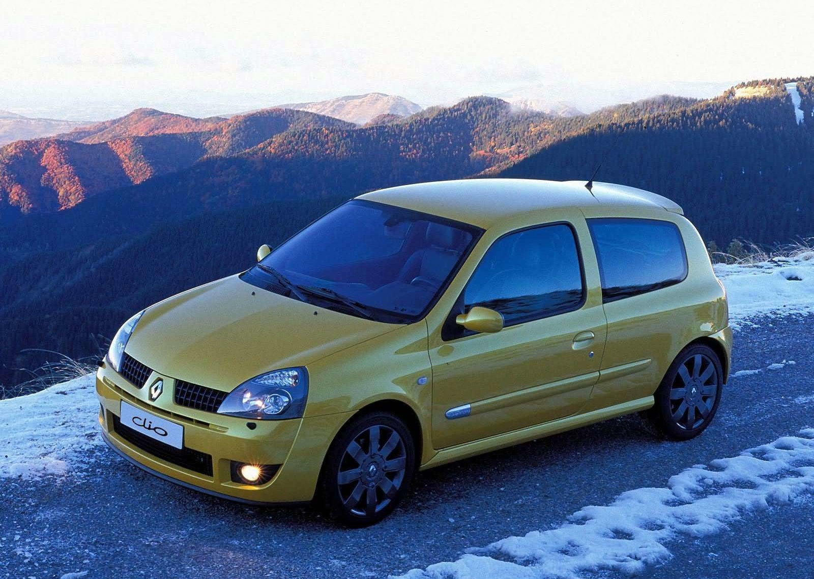 the renault clio rs 182 a cult car for the 2000s. Black Bedroom Furniture Sets. Home Design Ideas