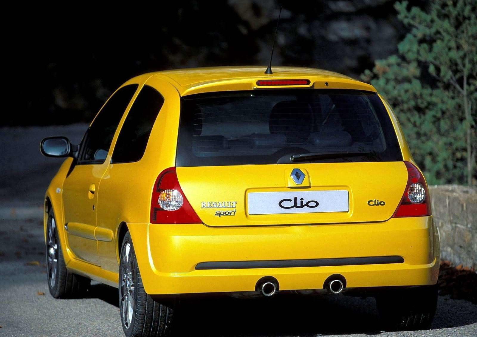 the renault clio rs 182 a cult car for the 2000s generation autoevolution. Black Bedroom Furniture Sets. Home Design Ideas