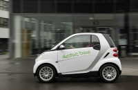 The original concept of the smart fortwo ed used a different type of batteries.