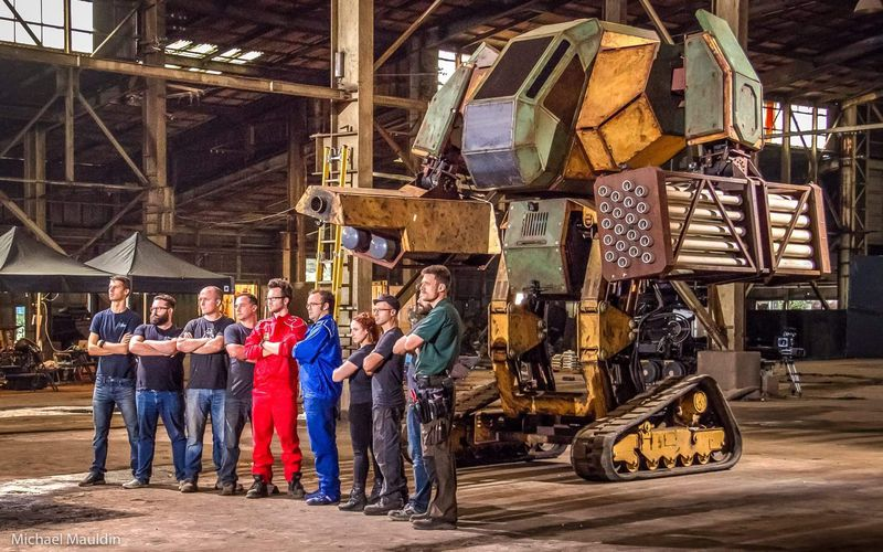The USA vs Japan in a giant robot duel