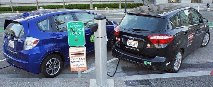 Obama administration offers EV charging loan guarantees
